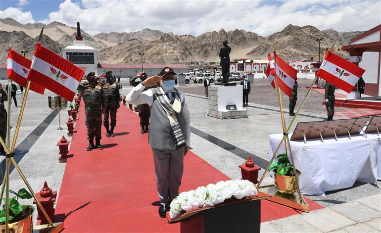 The Prime Minister, Shri Narendra Modi paying tributes to the valour of the soldiers, during his visit to Nimu in Ladakh on July 03, 2020.