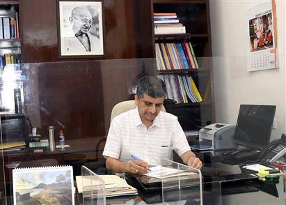 Shri Ajay Seth takes charge as the new Secretary of the Department of Economic Affairs (DEA), Ministry of Finance, in New Delhi on April 16, 2021.