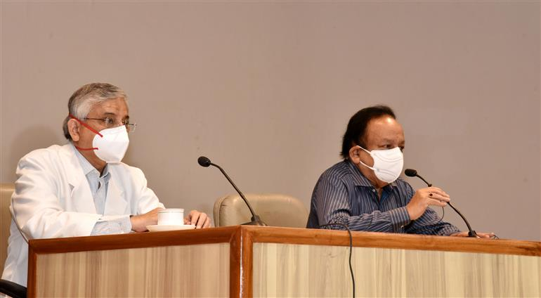 The Union Minister for Health & Family Welfare, Science & Technology and Earth Sciences, Dr. Harsh Vardhan addressing during his visit to the All-India Institute of Medical Sciences (AIIMS) to review the COVID-19 preparedness, in New Delhi on April 16, 2021.
