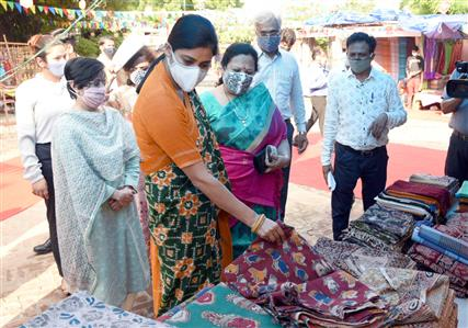 The Minister of State for Textiles and Railways, Smt. Darshana Vikram Jardosh and the Minister of State for Commerce and Industry, Smt. Anupriya Patel visiting the 'My Handloom My Pride Expo', at Dilli Haat, New Delhi on August 04, 2021.