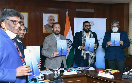The Union Minister for Environment, Forest & Climate Change, Information & Broadcasting and Heavy Industries and Public Enterprise, Shri Prakash Javadekar releasing the Marine Mega Fauna Stranding Guidelines, in New Delhi on January 28, 2021. The Minister of State for Environment, Forest and Climate Change, Shri Babul Supriyo and other dignitaries are also seen.