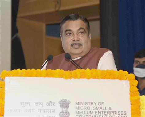 The Union Minister for Road Transport & Highways and Micro, Small & Medium Enterprises, Shri Nitin Gadkari addressing at the inauguration of the two-day Workshop on Implementation of Clusters under SFURTI, in New Delhi on March 09, 2021.