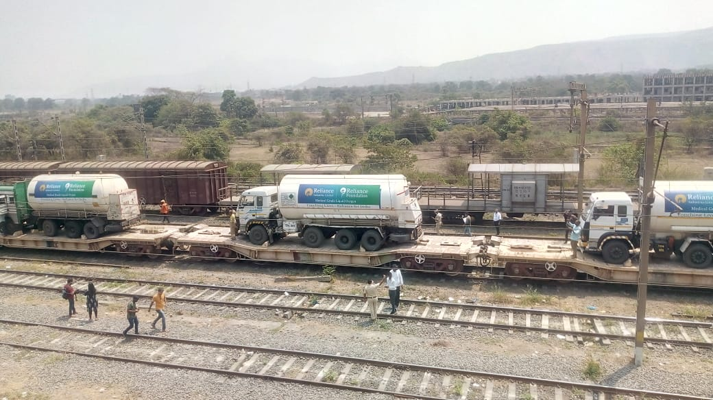 The First Oxygen Express arrives in Mumbai